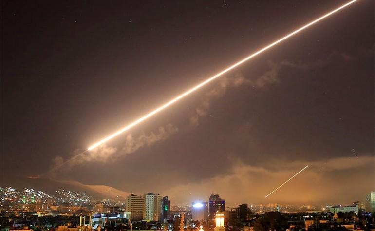 صورة إسرائيل تستهدف مواقع استراتيجية للأسد وإيران