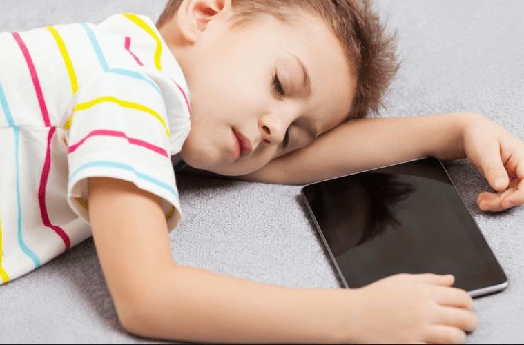 صورة قواعد السلامة الأربعون لحماية طفلك من الأجهزة الإلكترونية