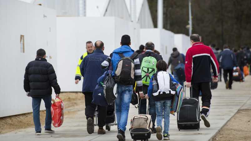"""صورة هولندا ترفض لاجئ سوري.. والسبب """"الأسد""""!"""