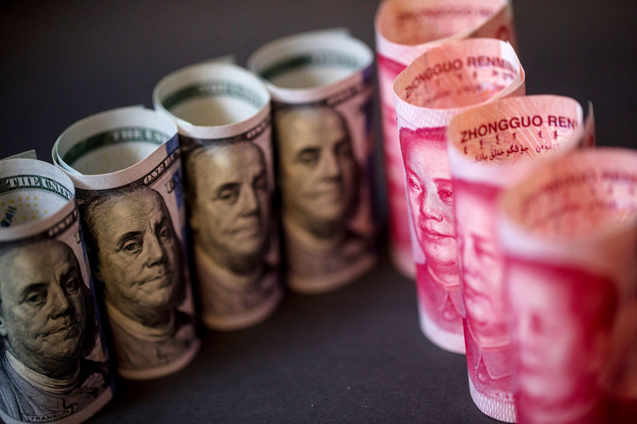 صورة هل اقترب عهد الدولار من السقوط؟
