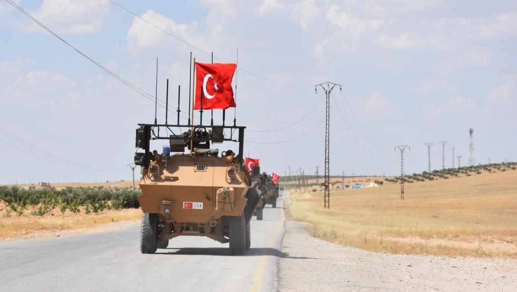 صورة أردوغان محذرا الأسد: إياك والإقتراب من المنطقة الآمنة!