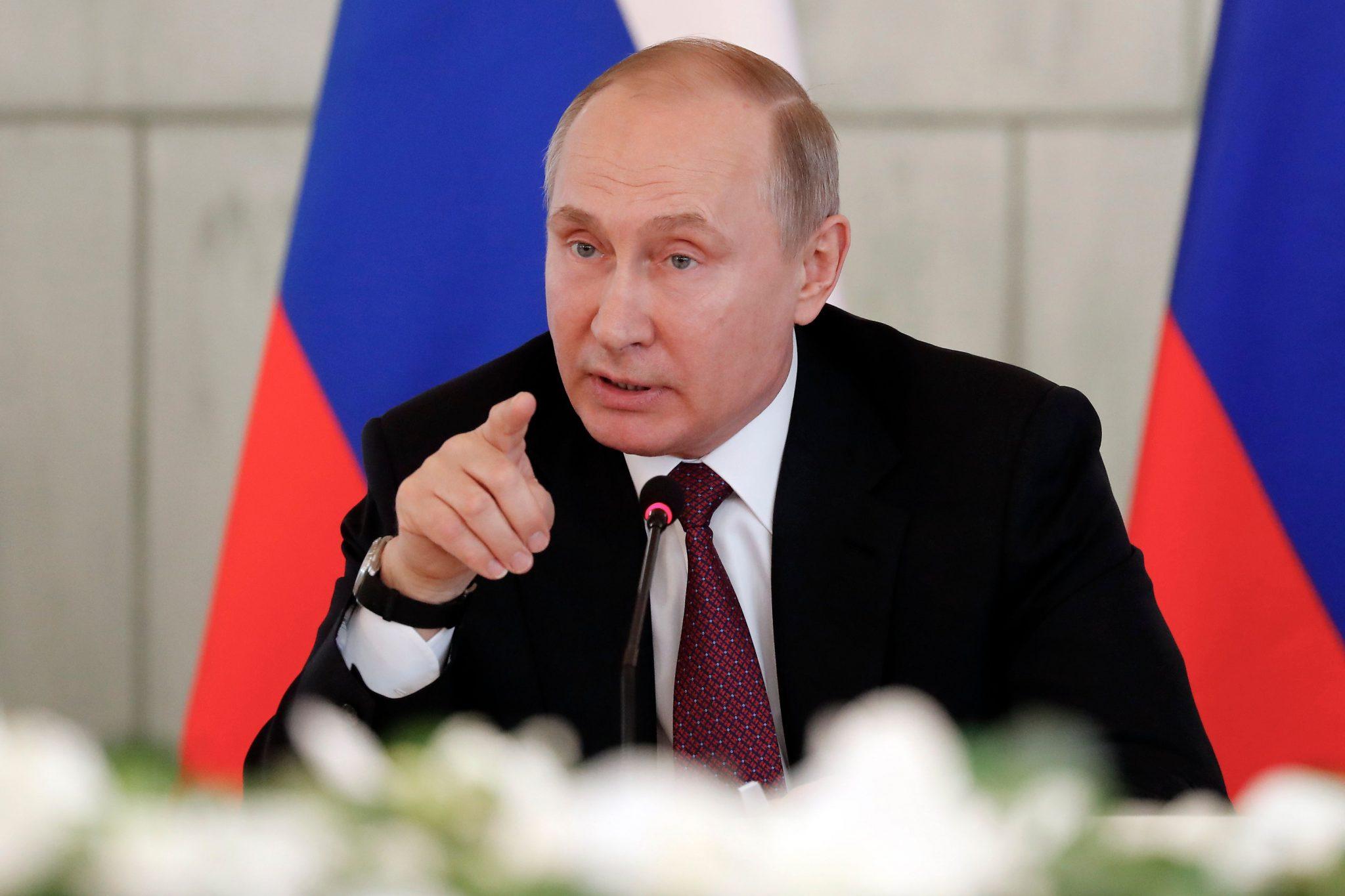 """صورة """"بوتن"""" يكشف اللثام عن إنسحابه من سوريا"""