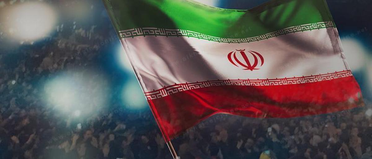 """صورة أحرار إيران يقلبون الطاولة على خامئني و""""ثورته السوداء"""""""