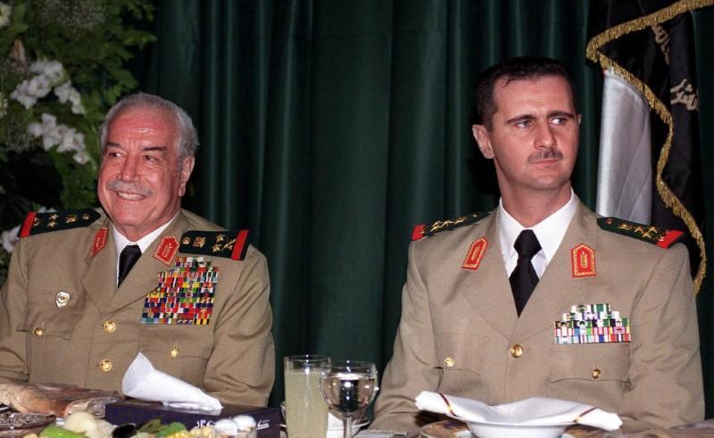 """صورة """"طلاس"""": لن تسقطوا نظام """"حافظ الأسد""""!"""