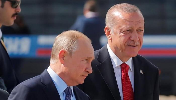 صورة بوادر حرب روسية- تركية في ليبيا.. وأردوغان يتوعد