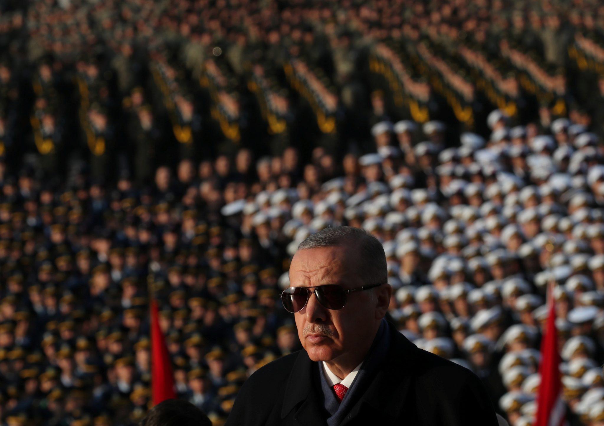صورة أردوغان: سنعيد مجد الأجداد.. ويتحدث عن ملاحم كبرى!
