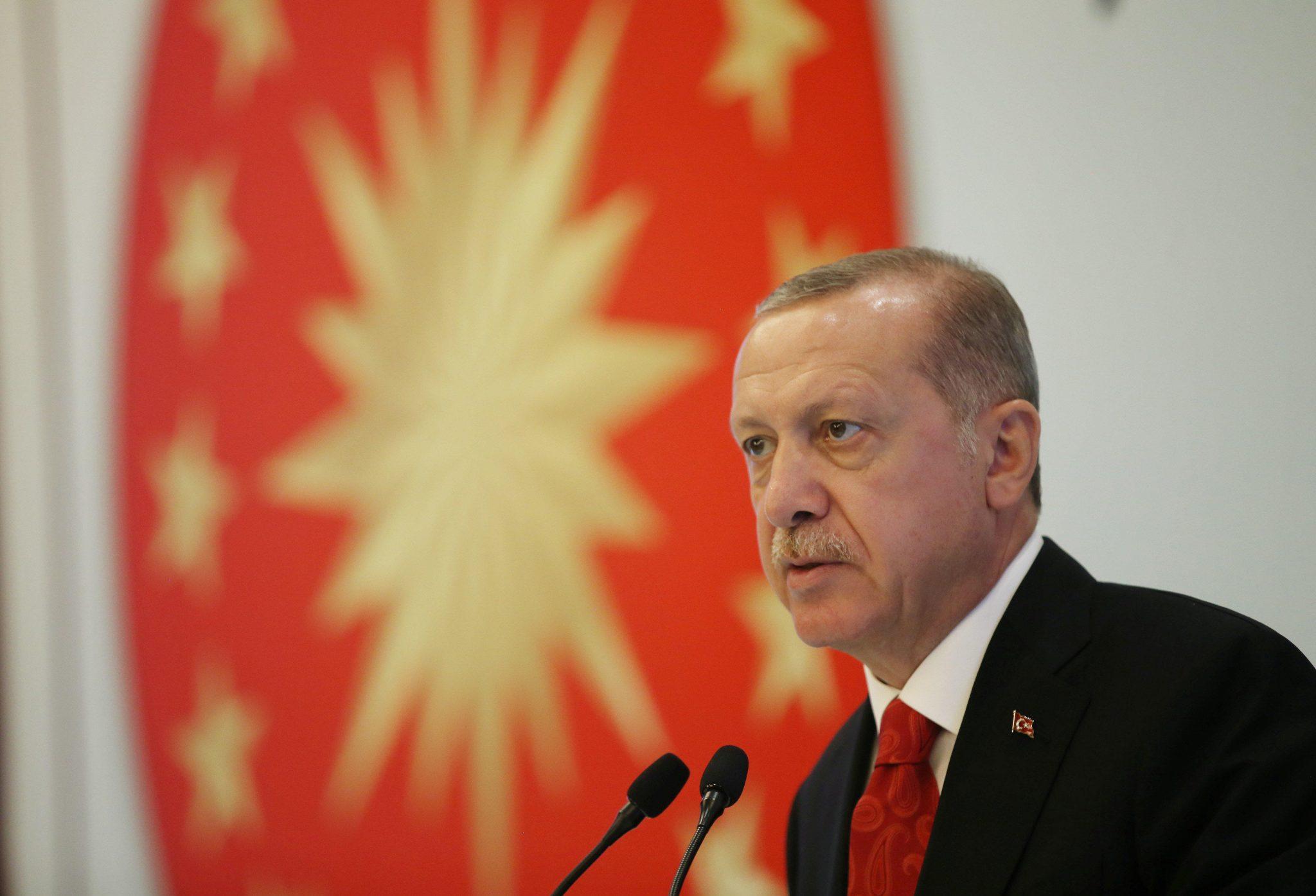"""صورة أردوغان: سنحمي """"المظلومين"""" من إدلب حتى البلقان"""