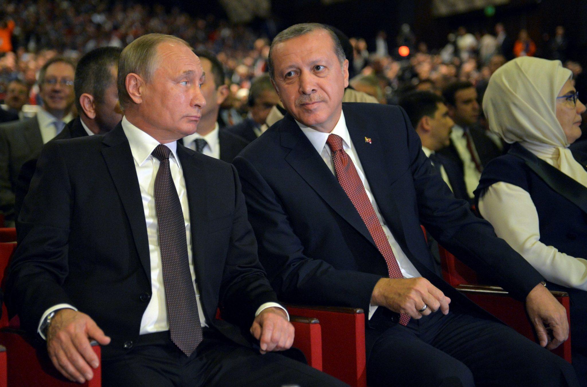 صورة رسالة حاسمة من أردوغان لبوتين حول إدلب.. إليكم مضمونها