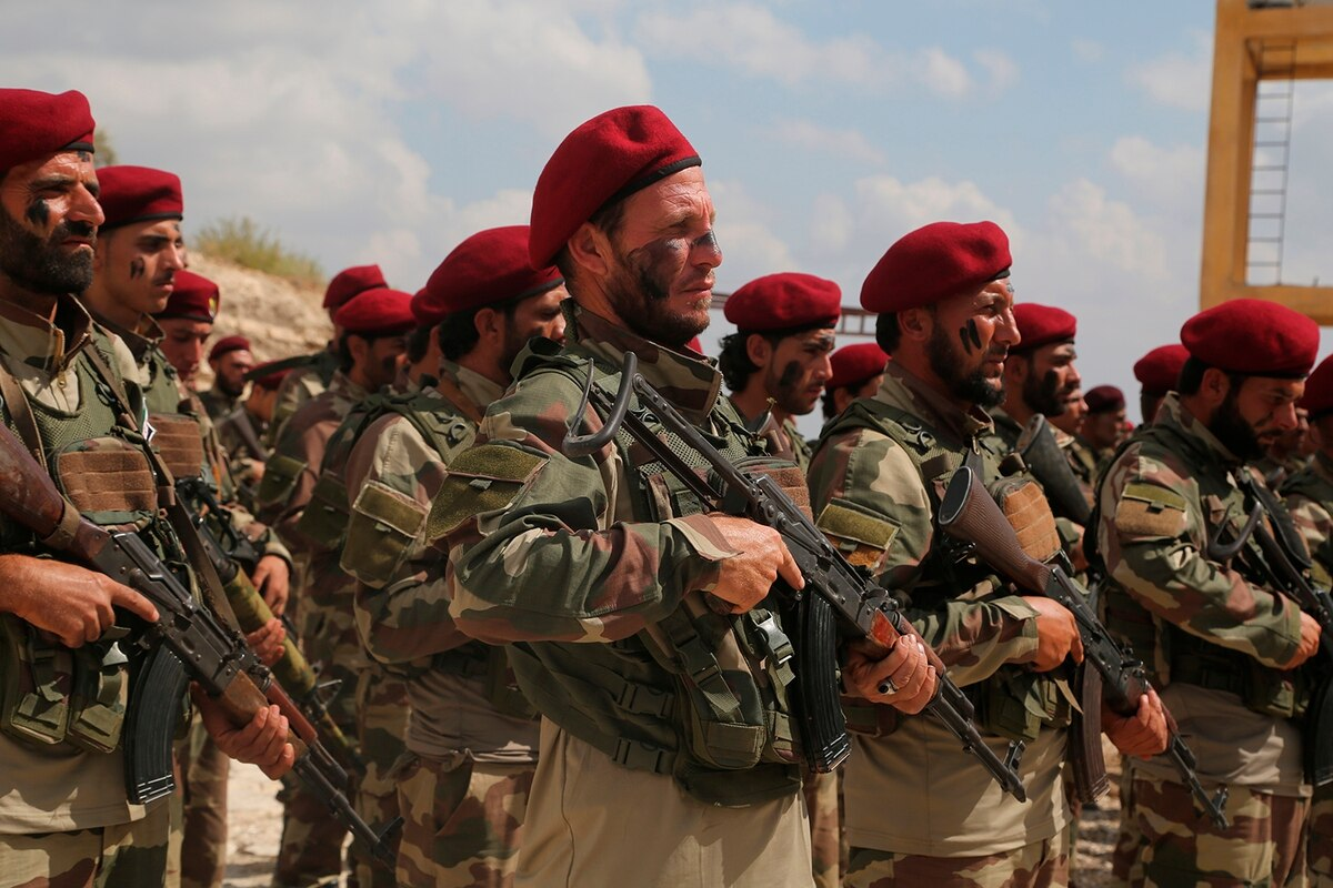 صورة من النظام السوري والمعارضة.. 7500 مقاتل أصبحوا في ليبيا