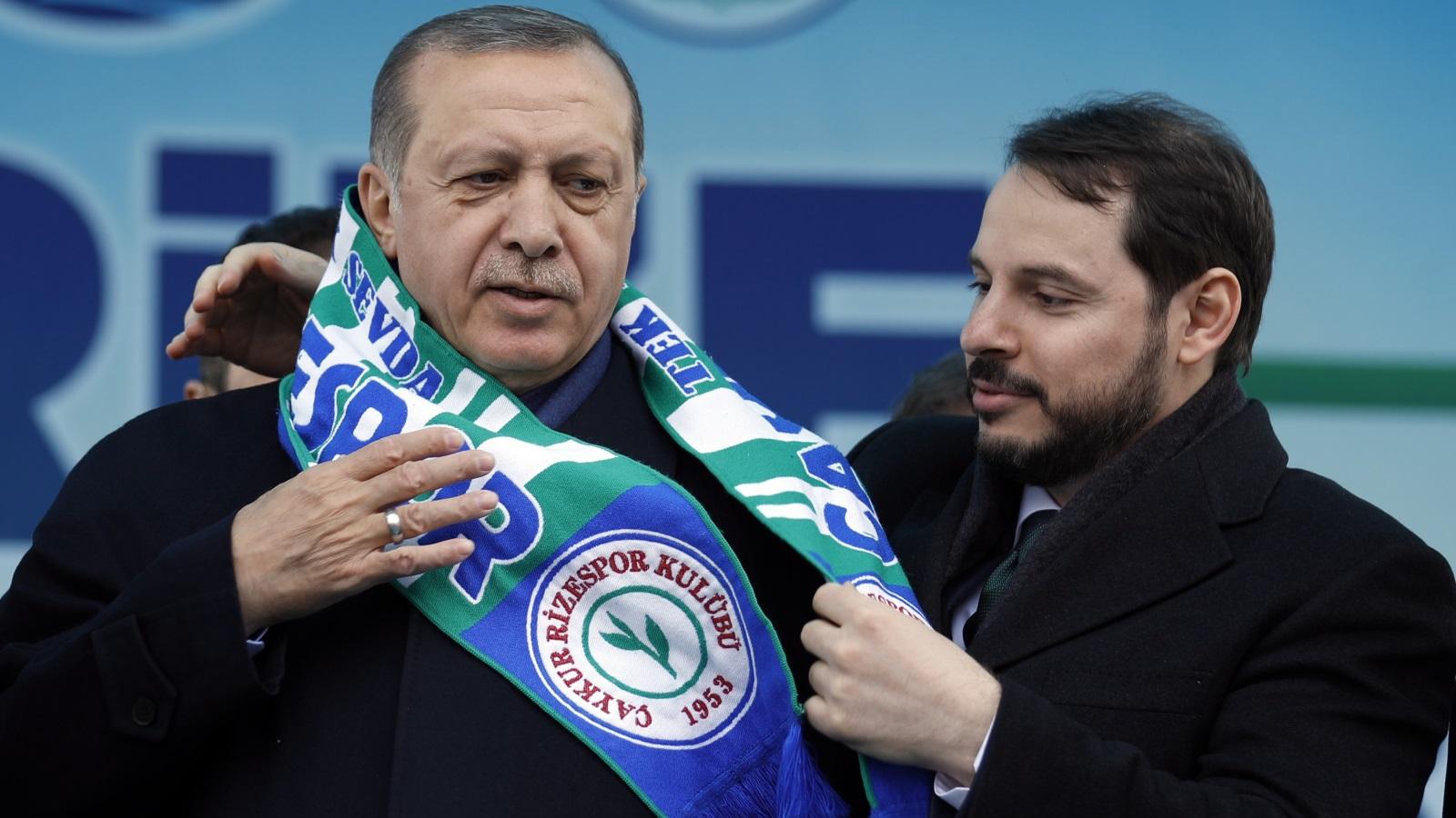 صورة خليفة أردوغان.. المثير للجدل!