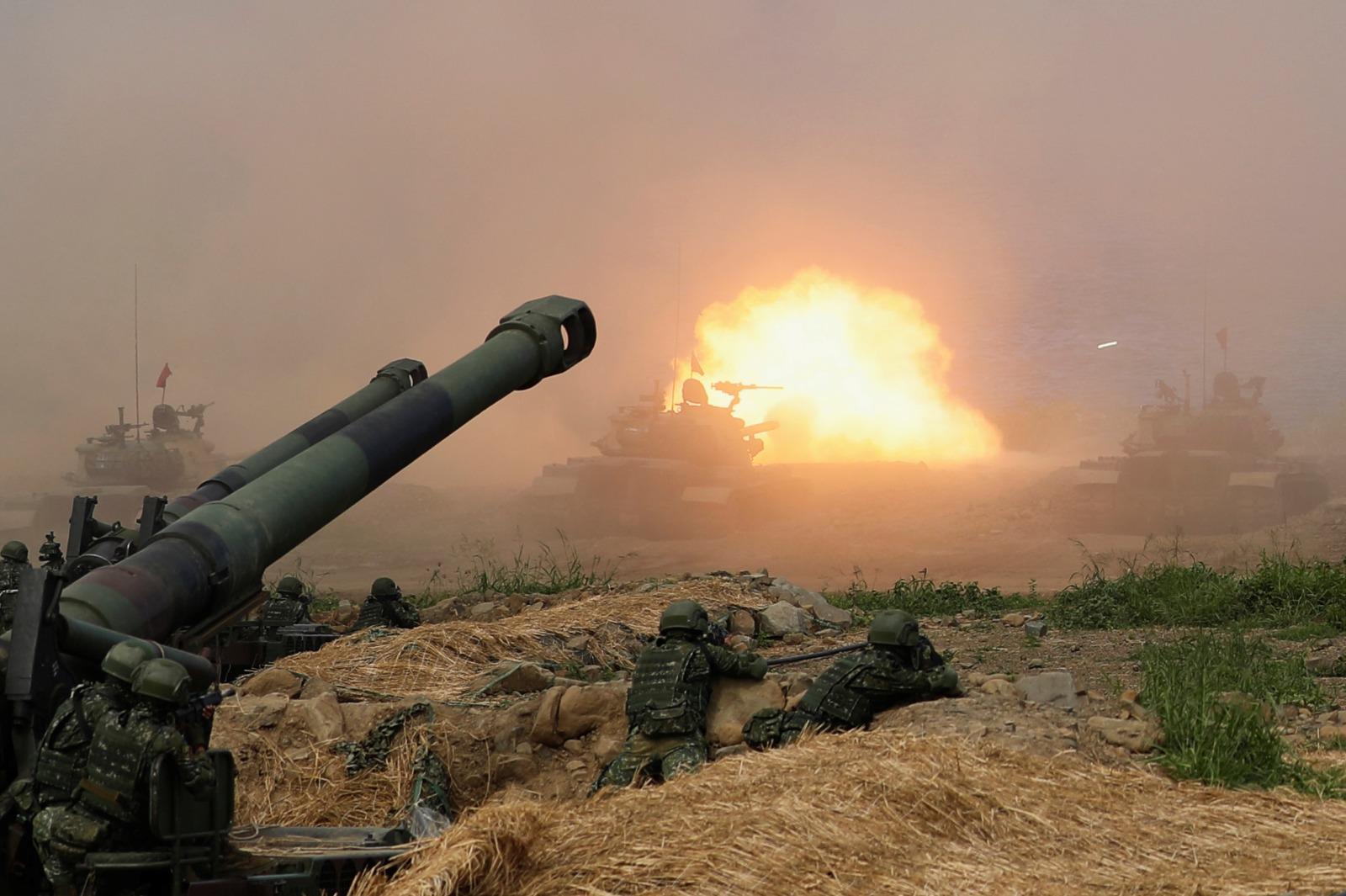 صورة الحرب على الأبواب: مواجهات عسكرية أمريكية-صينية