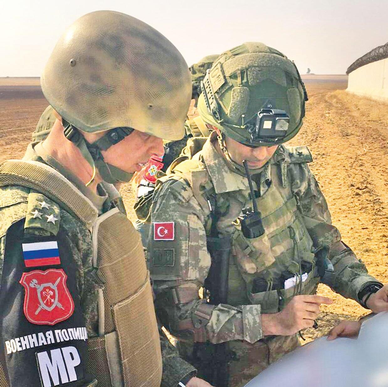 صورة تحرير الشام.. تحرس الجيشين الروسي والتركي