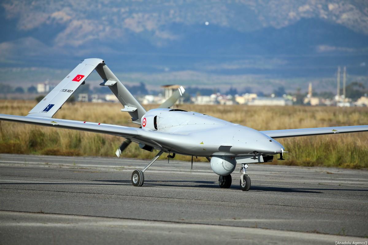 صورة تركيا تدعم جيشها بطائرة مسيرة خارقة وانتحارية وذكية- شاهد
