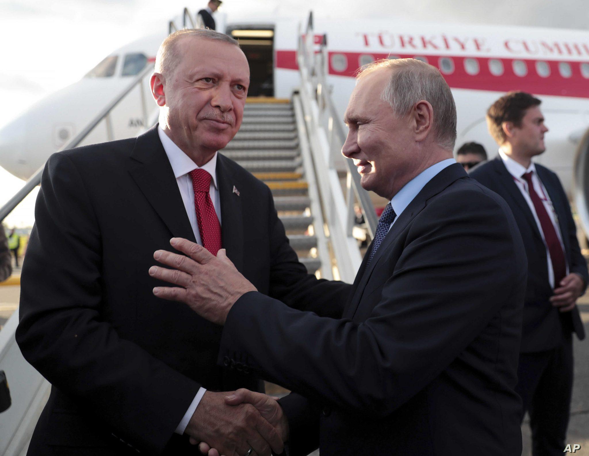 صورة خبير روسي: فشل المساومة الروسية- التركية حول إدلب وخلاف قادم