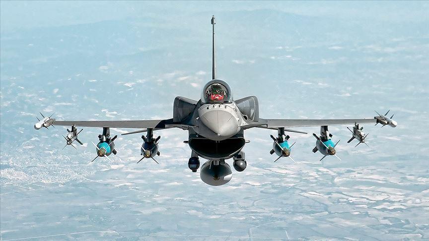 صورة وسط تصريحات حول مشاركة مقـ ـاتلات F-16 التـ ـركية.. الجيـ ـش الأذري يتقدم في المـ ـيدان