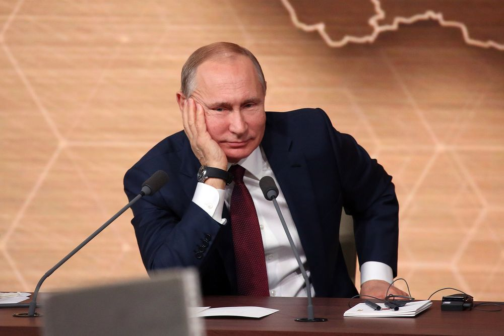 صورة عقـ.ـوبات أوروبية تطال مقربين من بوتين