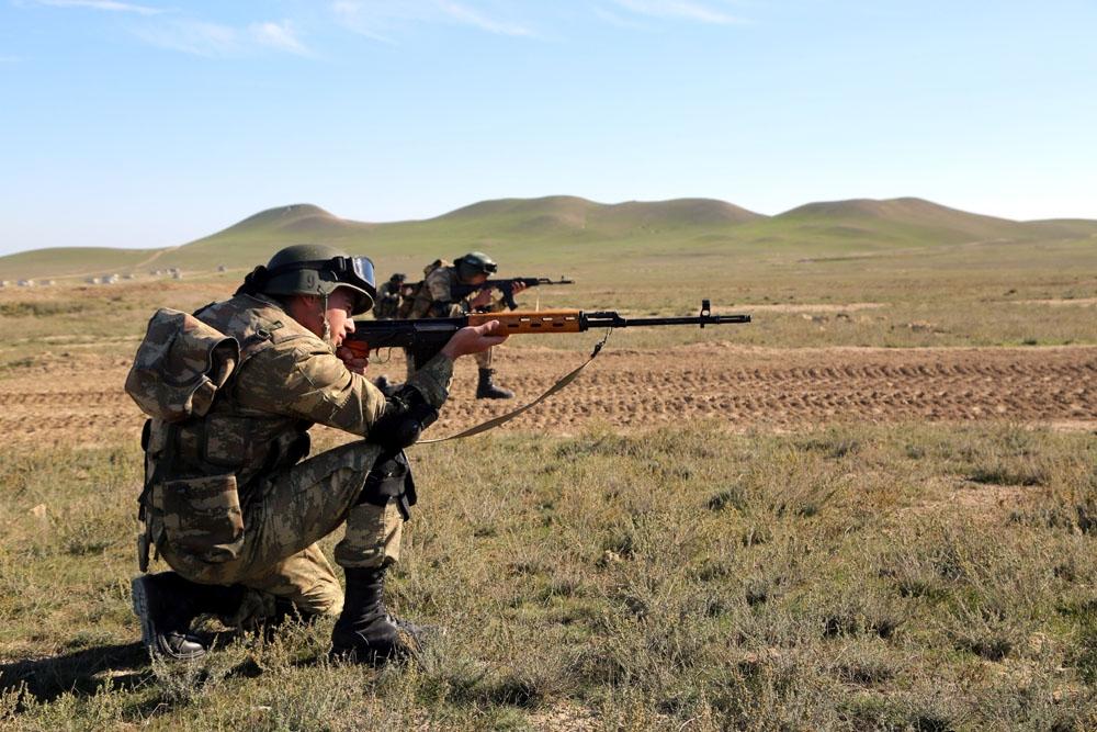 صورة بالفيديو ولأول مرة منذ 27 عاما.. رفع الأذان بقرية محررة من الجيش الأرميني