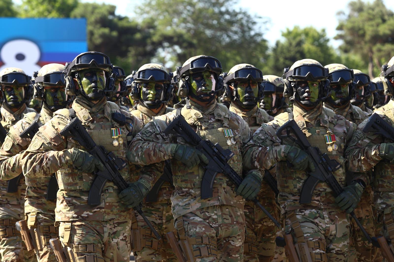 صورة لأول مرة.. الجيش الأذري يطرق أبواب قره باغ