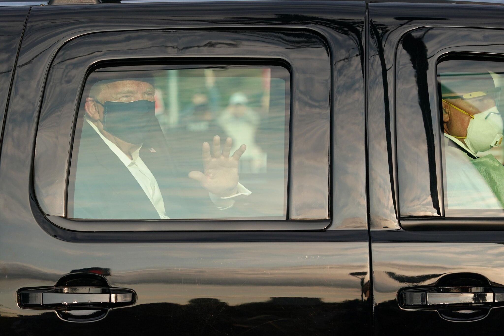 صورة الكاميرا تلتقط أولى اللقطات لترامب بعد هزيمته بالرئاسة- هكذا بدا (فيديوهات)