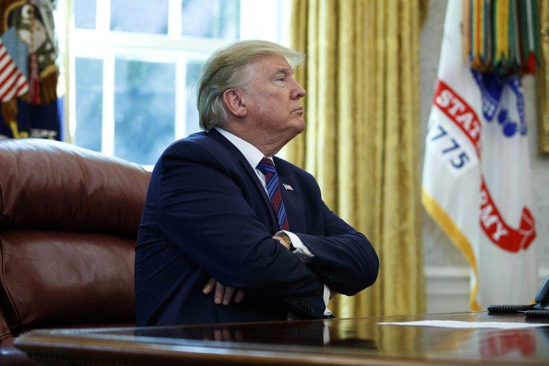 صورة يرفض التسليم.. ترامب يغلق البيت الأبيض على نفسه!