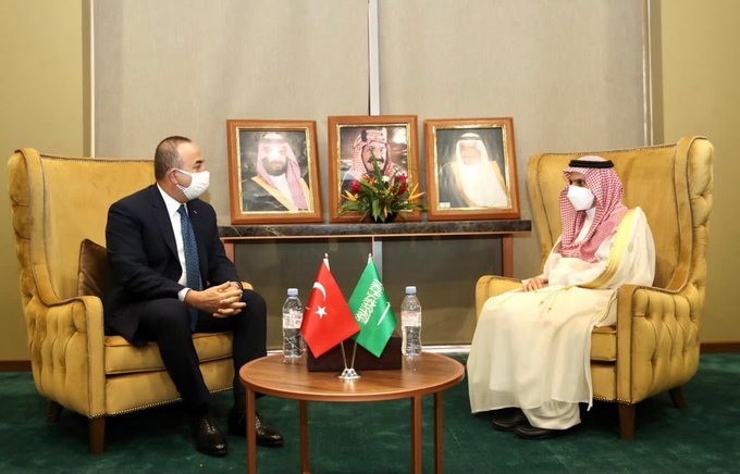 """صورة تشاووش أوغلو: شراكة تركية- سعودية """"قوية"""""""