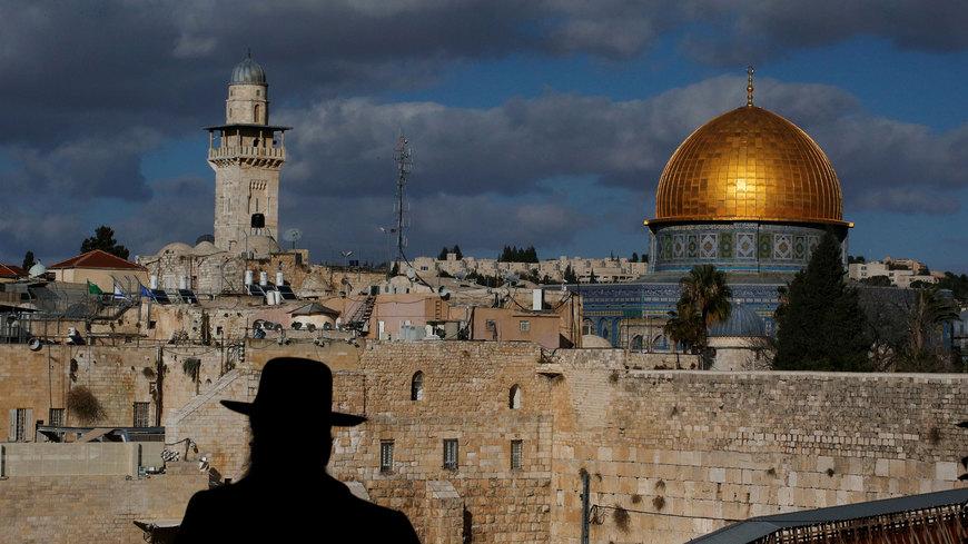 صورة الهاشميون يتحركون لحراسة المسجد الأقصى..وخشية من اتفاقية عربية- إسرائيلية قد تطال العائلة الملكية