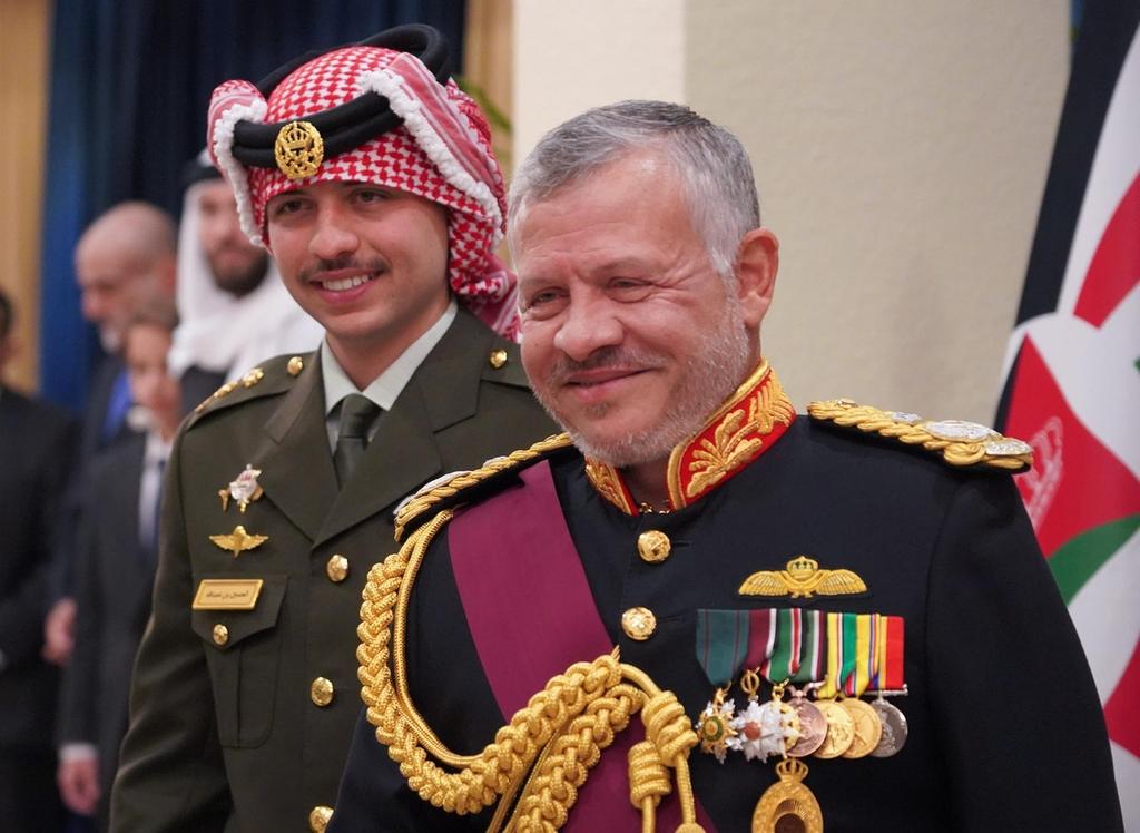 صورة كابـ.ـوس يحاك بالسر.. مقرب من البلاط الملكي الأردني يحذر الملك والعرب