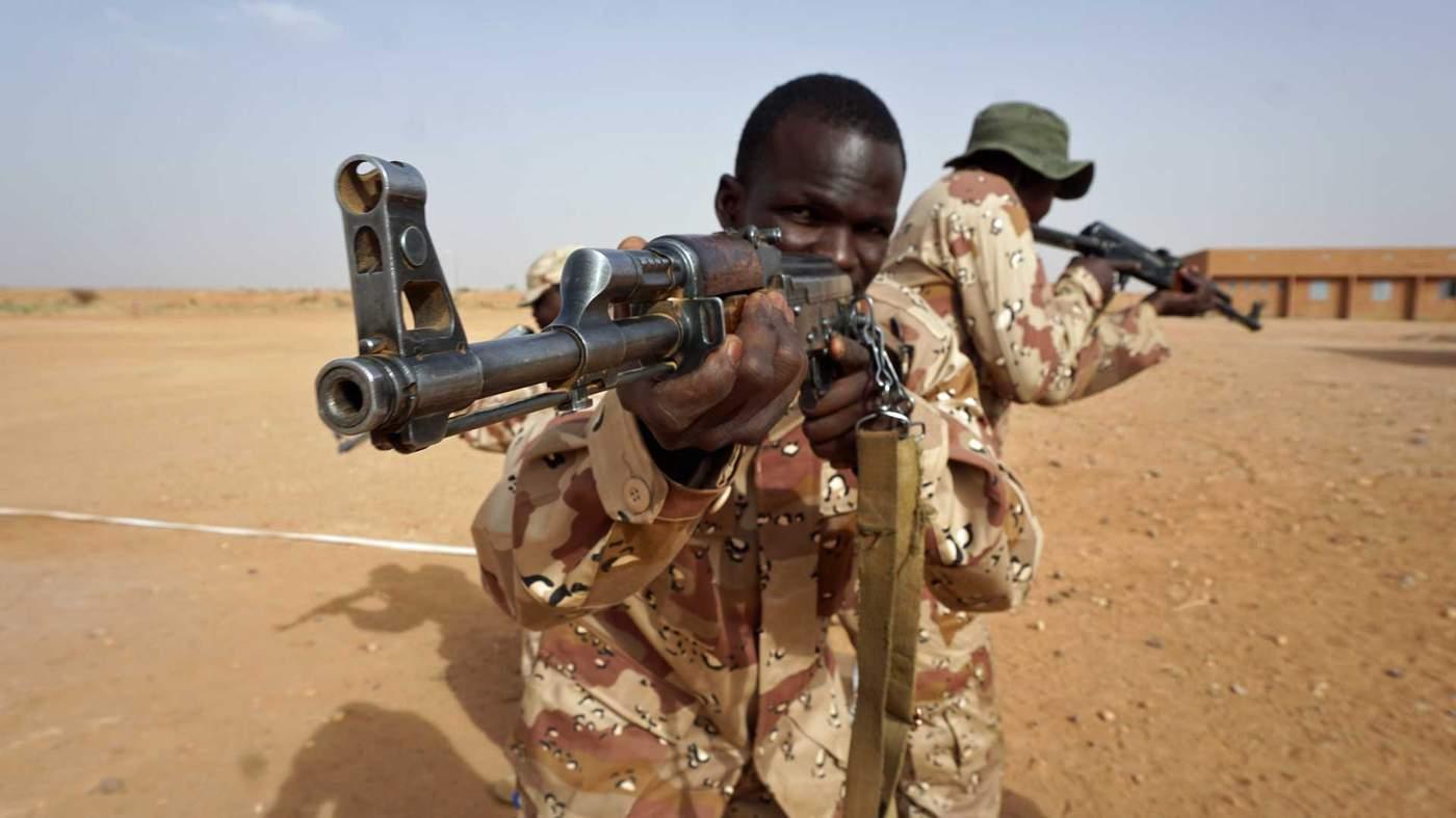 صورة لمصلحة من تقرع طبول الحرب في الصحراء؟