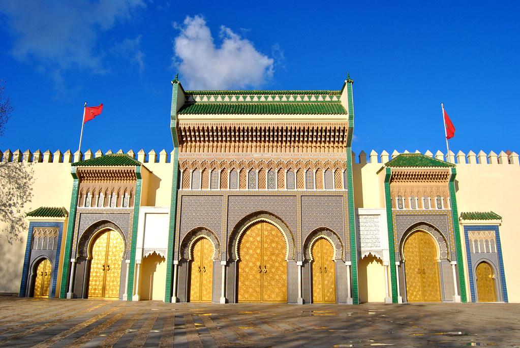 صورة تعلن لأول مرة.. قصص مثيرة لمقربين من القصر الملكي وهرم الدولة المغربية