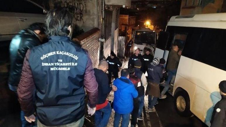 صورة ضبط مجموعة من السوريين في ولاية كلس بعد دخولهم تركيا بطريقة غير شرعية