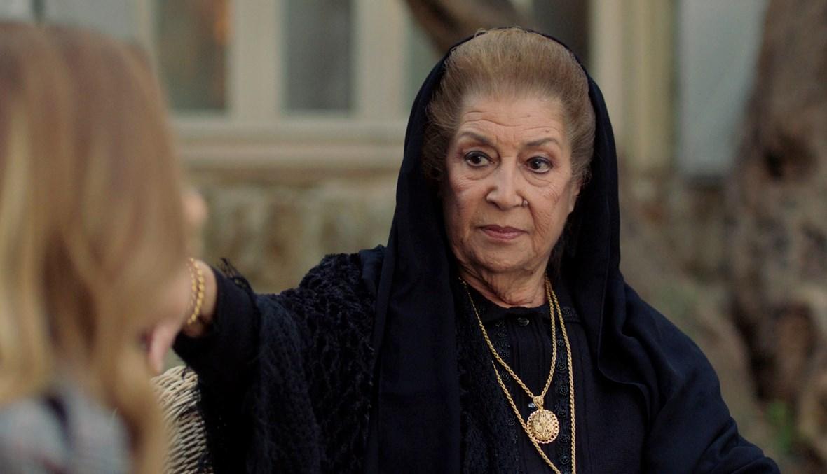 """صورة من عارضة أزياء إلى نجمة الدراما السورية.. تعرف أكثر على الفنانة """"منى واصف"""""""