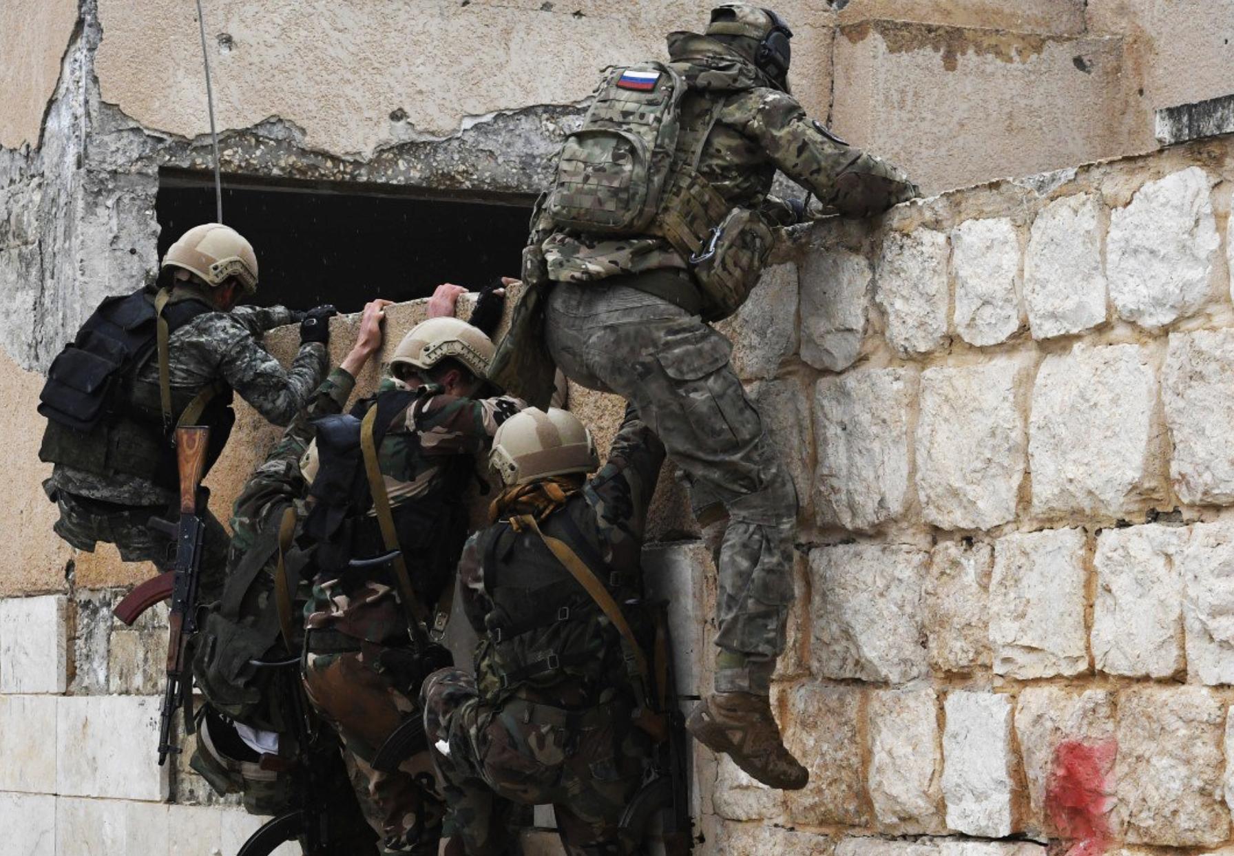 """صورة مكافحة الإرهاب الأمريكية تكتشف دعم الإمارات لمرتزقة """"فاغنر"""" الروسية في ليبيا- ما القادم؟"""