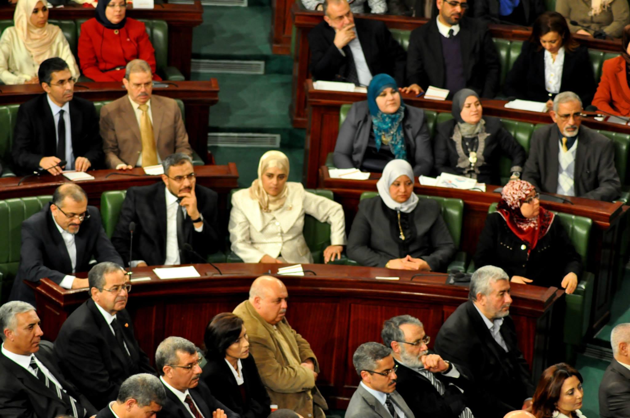صورة تحرك كبير ضده.. نائب تونسي: المرأة «سلـ.ـعة» والأمهات العازبات بـ«عـ.ـاهرات»