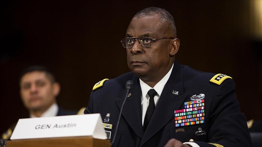 صورة قائد القوات الأمريكية التي اقتـ.ـحمت بغداد وزيرا للدفاع