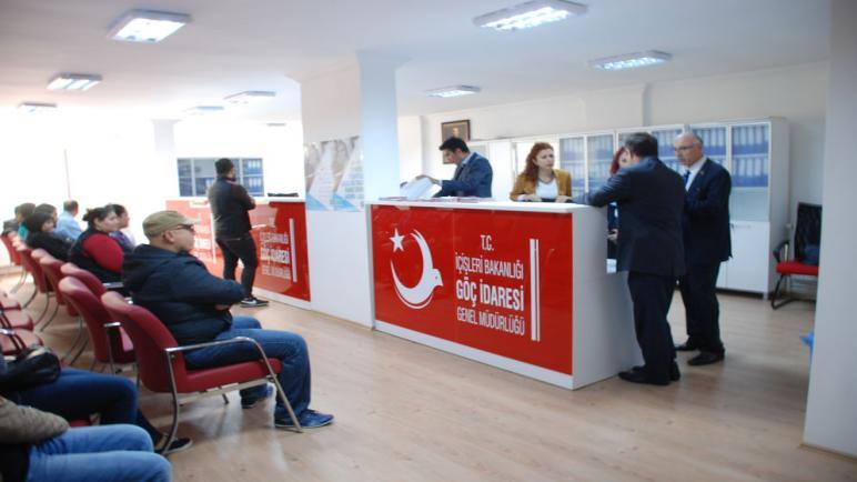 صورة عـ.ـقوبات جديدة وصارمة بخصوص إذن السفر.. تحذير للسوريين في تركيا فقد تفقد حتى العلاج في المشفى