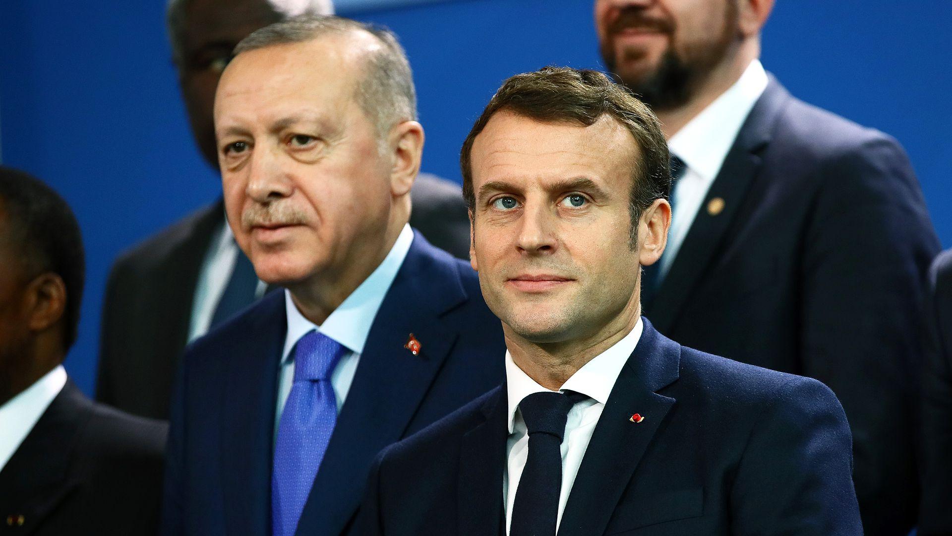 صورة مصالحة تركية- فرنسية مرتقبة وأنقرة تطلق أولى التصريحات