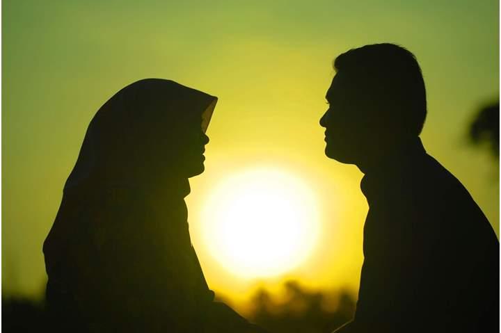 صورة القرآن الكريم يجيبكم ويذهلكم.. ما الفرق ﺑﻴﻦ ﺍﻟﻤﺮأة ﻭﺍﻟﺰﻭجة ﻭﺍﻟﺼﺎﺣﺒﺔ؟