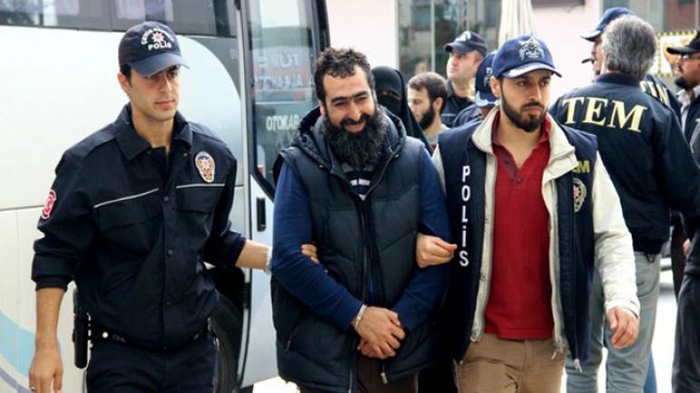 صورة السلطات التركية تعـ .ـتقل 4 سوريين و10 عراقيين في هذه الولاية والسبب