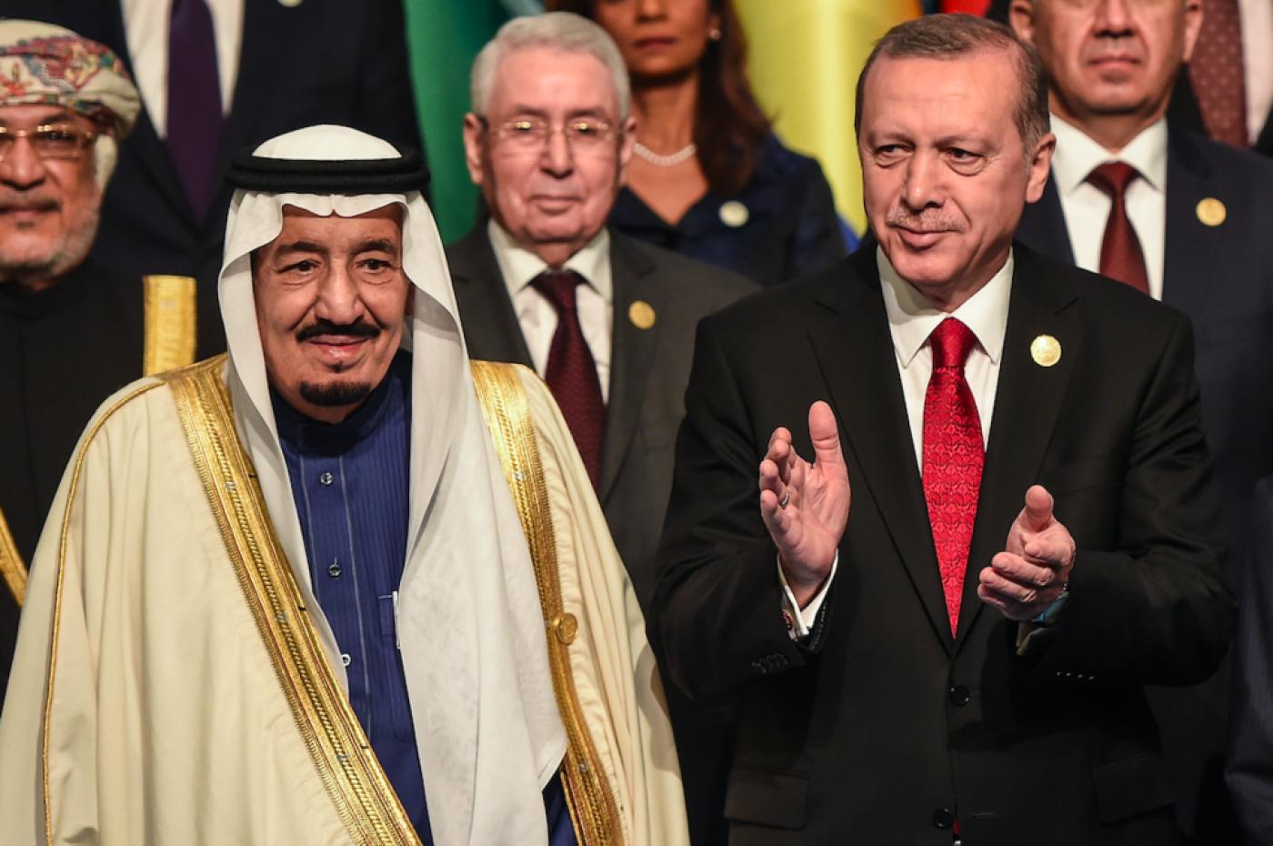 صورة بعد المصالحة.. بوادر تحالف تركي- خليجي كبير