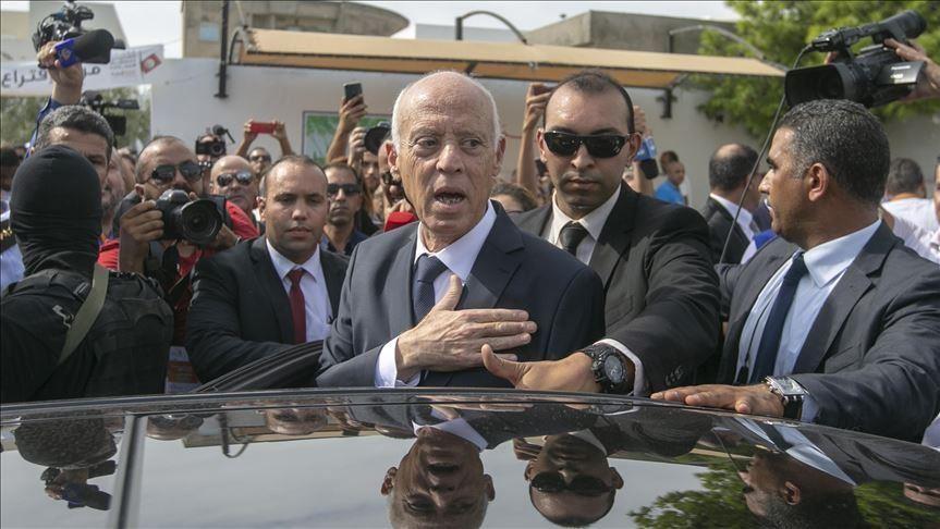 صورة الرئاسة التونسية تؤكد نجاة سعيّد وأعراض خطـ ـيرة تظهر على مستشارته