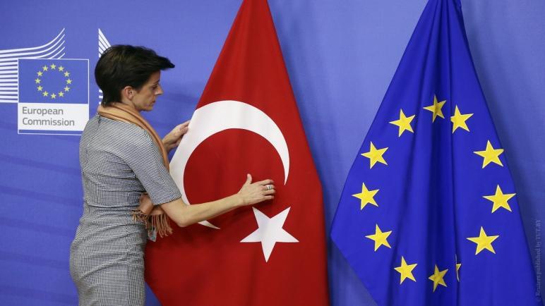 صورة أخبار سارة للسوريين في تركيا دعم مالي جديد للعام 2021 .. اليكم التفاصيل 👇