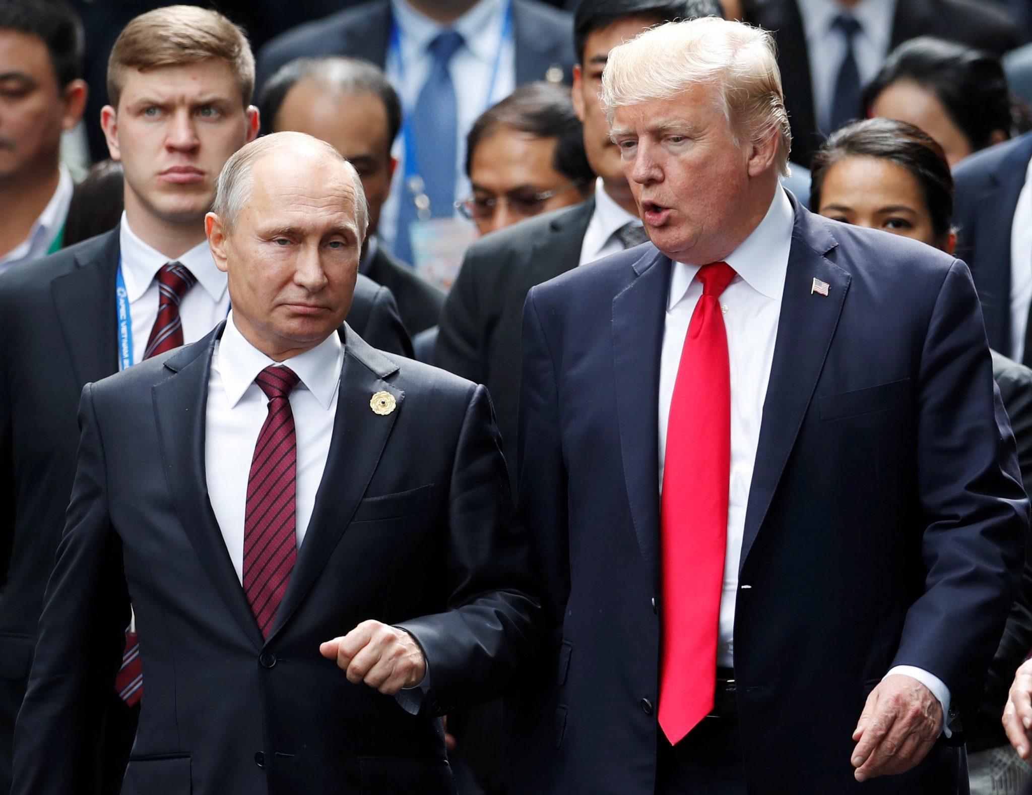 صورة الغارديان: المخـ.ـابرات الروسية جـ.ـندت ترامب منذ 40 عاماً