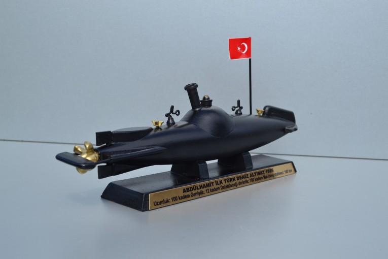 صورة هو سيد أول غواصة في العالم تطلق طوربيداً.. تعرف على غواصة السلطان عبد الحميد- فيديو وصور