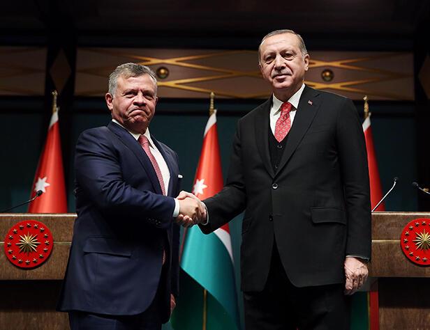 صورة مساع عظيمة تنتظر الأردن لتحقيق مصالحة مصرية إماراتية- تركية.. والملك يتصدر المشهد