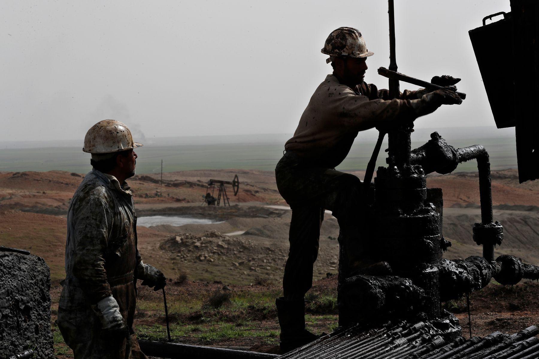 صورة لم يصل للسوريين يوما..بالأرقام.. تعرفوا على النفط السوري الهائل