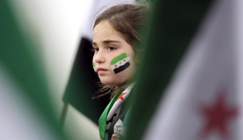 صورة أطفال سوريون يشعلون مواقع التواصل ويناشدون الحكومة التركية (فيديو)