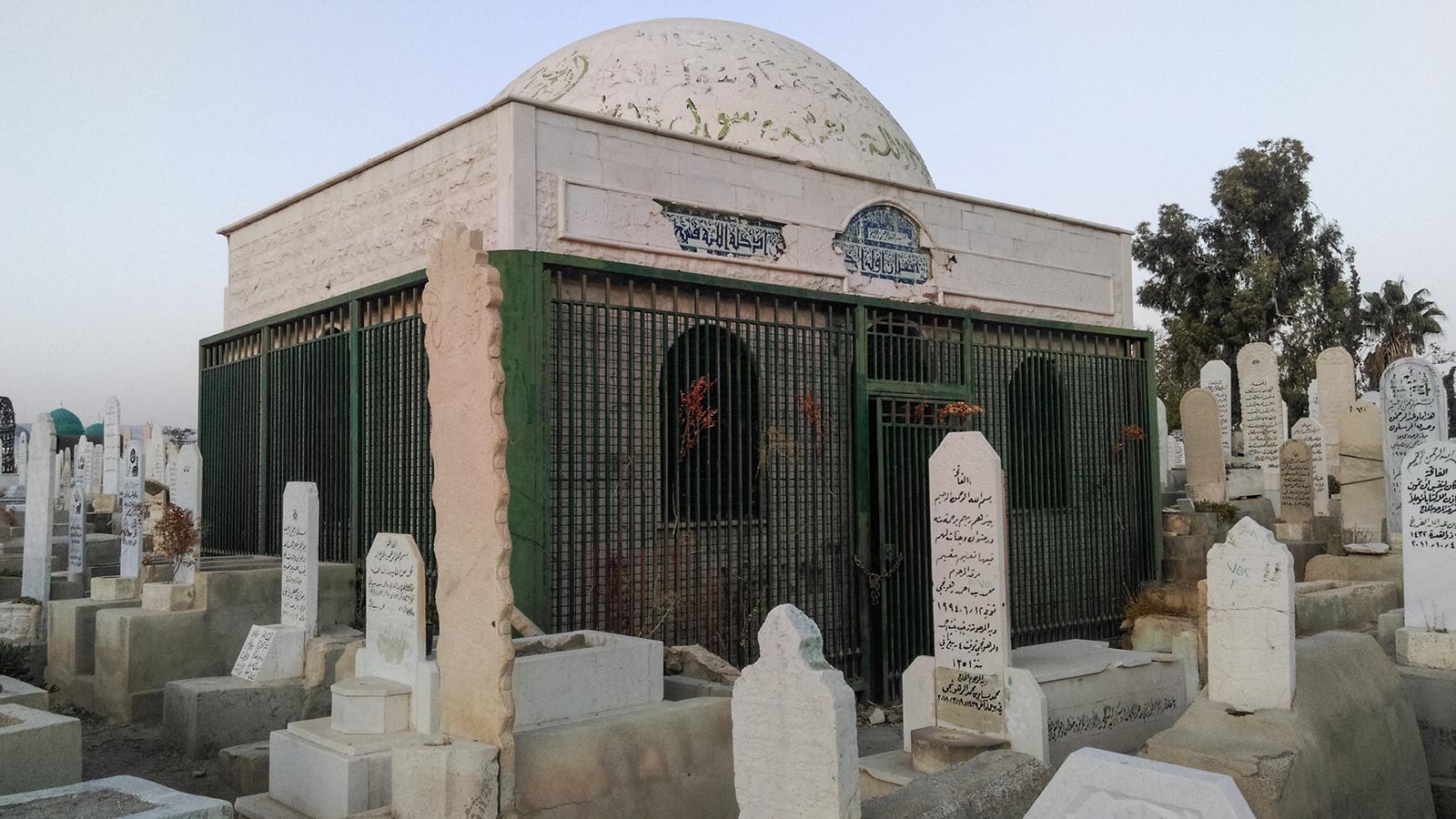 صورة 10 آلاف دولار.. أضرحة الأمراء تشعل أسعار قبور المقبرة الدمشقية