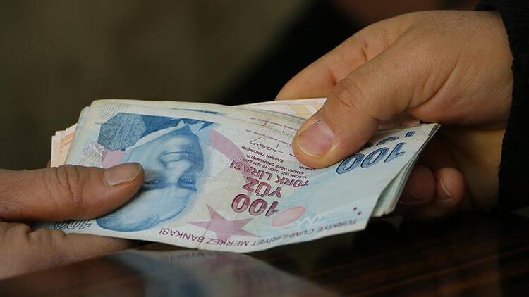 صورة فاعل خير في ولاية تركية  يدفع ديون اللاجئين السوريين( فيديو )