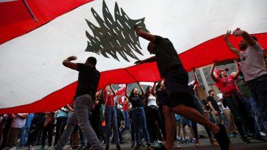 صورة إذا لم تتشكل الحكومة.. لبنان سيغرق كسفينة تيتانيك