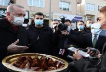 """صورة بالفيديو والصور .. الرئيس """"أردوغان """" : من يأكل من هذه لا يقترب منه فيـ.ـروس كـ.ـورونا ؟"""